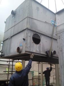 LA SOSTITUZIONE delle due torri di evaporazione per il condizionamento della Galleria degli Uffizi.