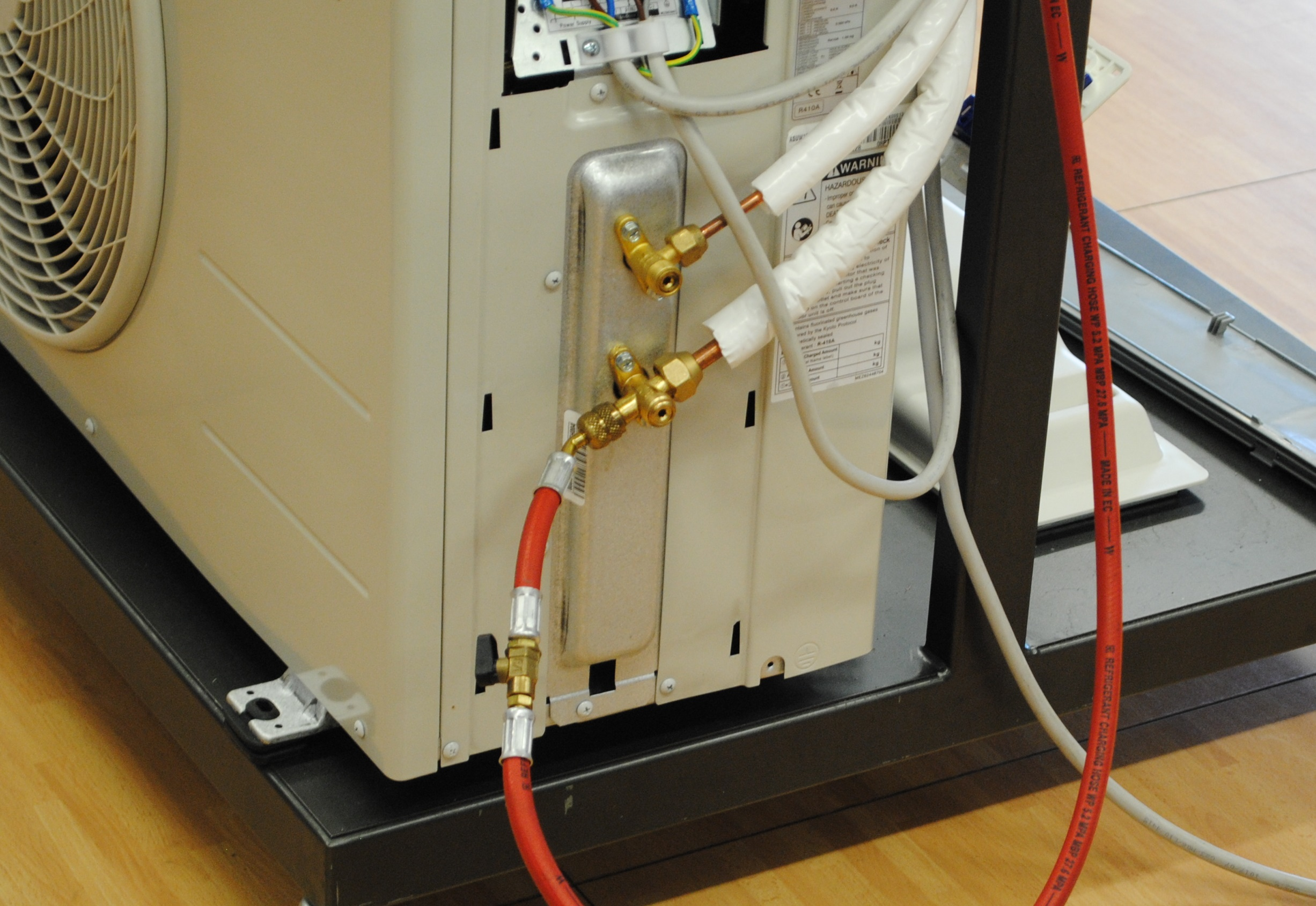 A recuperare il refrigerante da un circuito frigorifero di for Climatizzatore casa