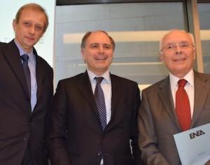 Nella foto Piero Fassino, Presidente dell'ANCI, Paolo Buzzetti, Presidente dell'ANCE e Giovanni Lelli, Commissario dell'ENEA