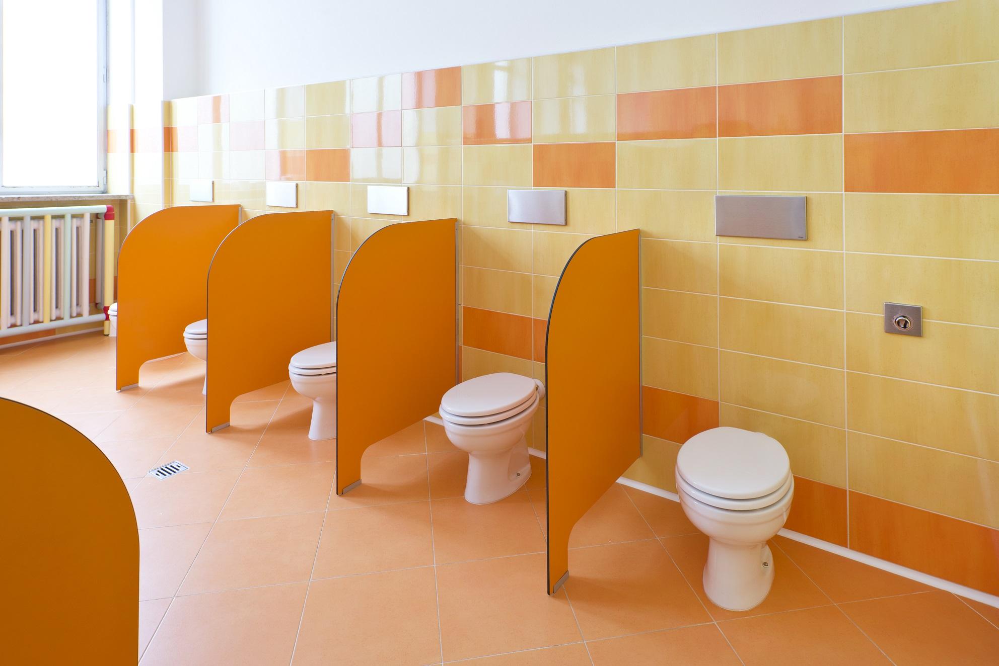 Per l 39 asilo un bagno a misura di bambino gt il giornale del termoidraulico - Bagni per uffici ...