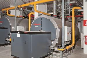 LA PEDANA CALPESTABILE sulla parte superiore semplifica il montaggio e la manutenzione e protegge l'isolamento termico da danneggiamenti.