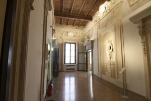 L'IMMISSIONE dell'aria avviene tramite condotti: il sistema è in grado di raggiungere tolleranze di temperatura e umidità ambiente ideali per il mantenimento delle opere d'arte custodite nelle sale di Palazzo Fava.