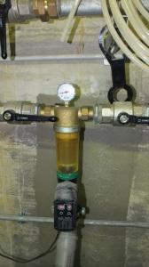 Filtri per acqua potabile automatici con motore per il lavaggio.