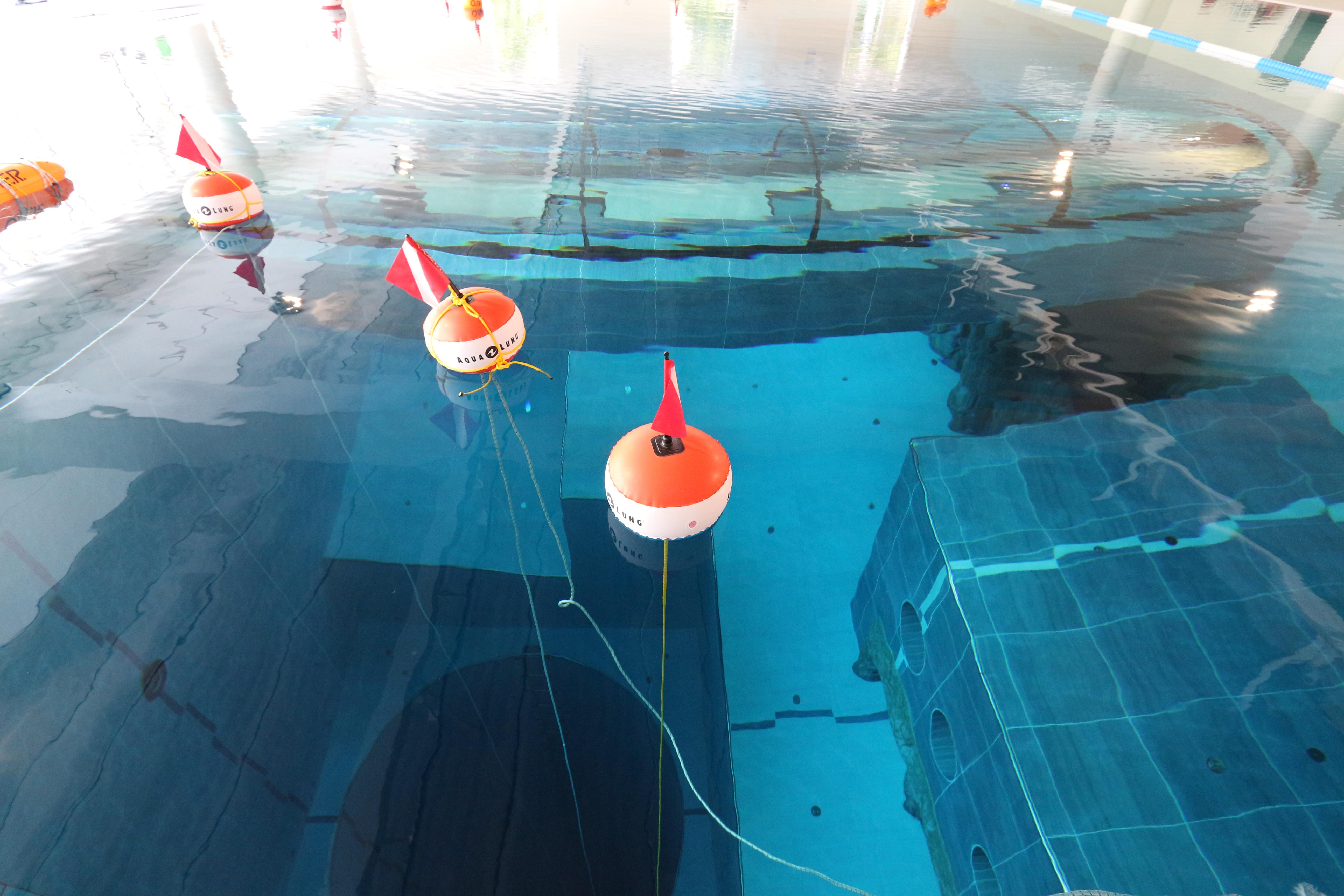 Le tubazioni efficienti della piscina termale gt il for Piscina y 40 padova