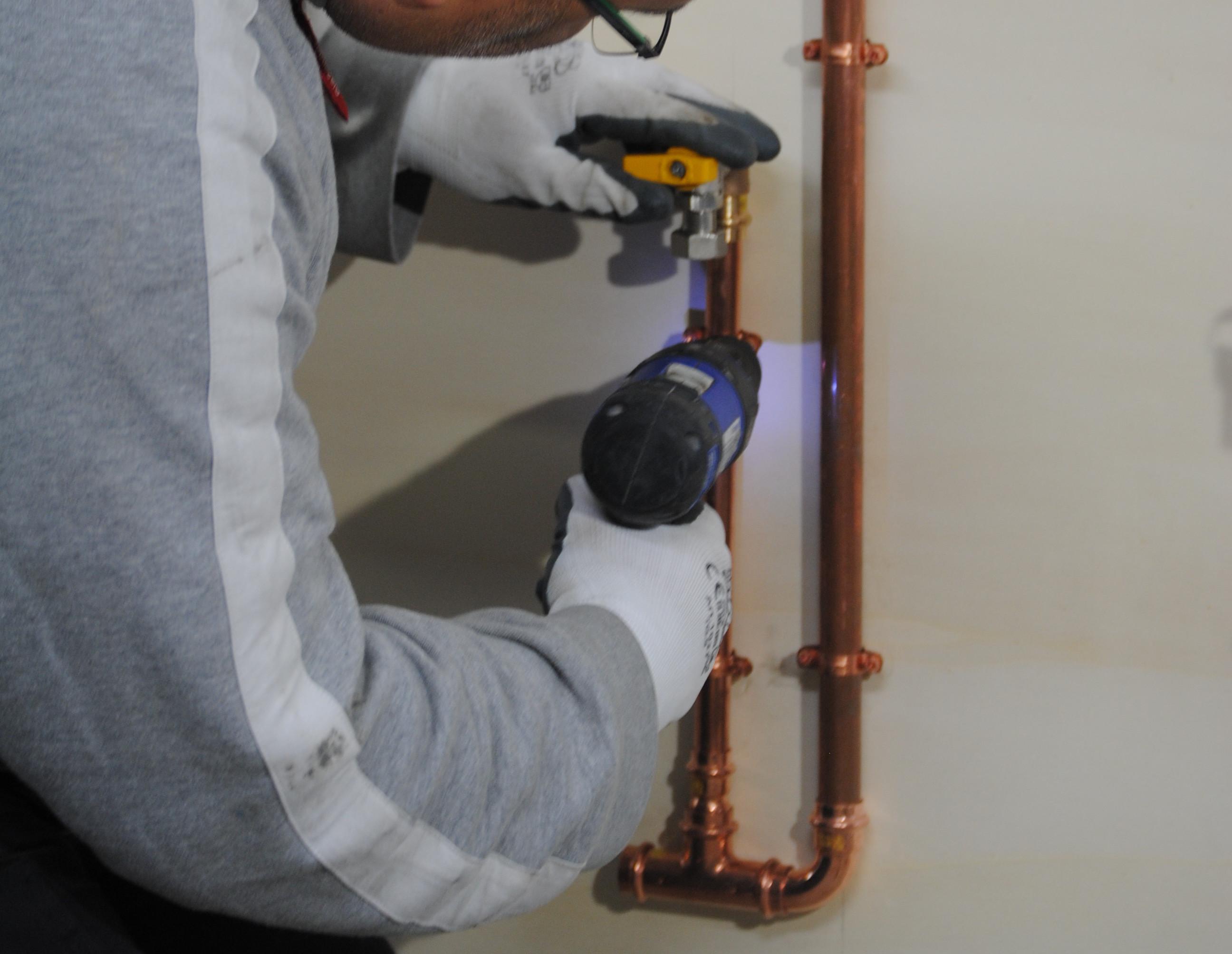 Allaccio tubo gas piano cottura confortevole soggiorno - Tubo gas cucina lunghezza massima ...