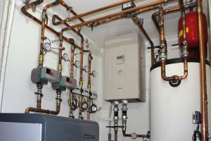 LA SOLUZIONE scelta per riscaldare e raffrescare la casa e provvedere alla produzione di ACS è stata Aquarea T-CAP di Panasonic, la pompa di calore che, integrata con il fotovoltaico, garantisce un impianto termico efficiente e a bassi consumi.