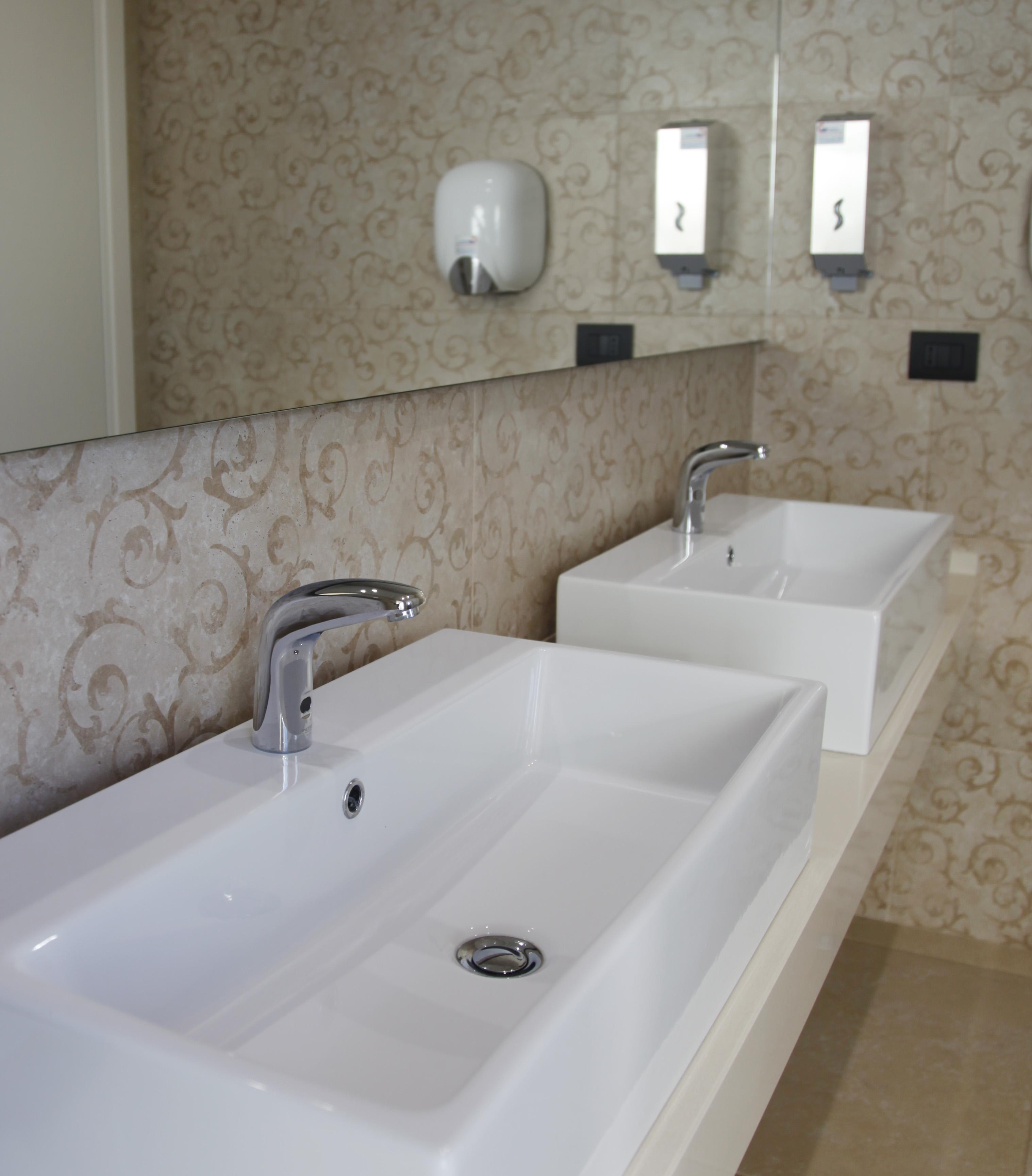 Rubinetti per lavabo idral in un resort dell entroterra for Rubinetti per lavabo