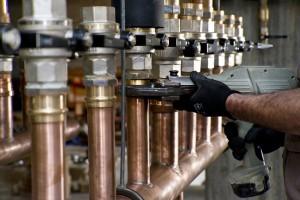 DUREVOLE E SALUBRE. La scelta di realizzare con il rame le reti di distribuzione dell'impianto di riscaldamento è motivata dall'affidabilità del materiale, dalla resistenza alla corrosione e dalle sue caratteristiche igienico-sanitarie.